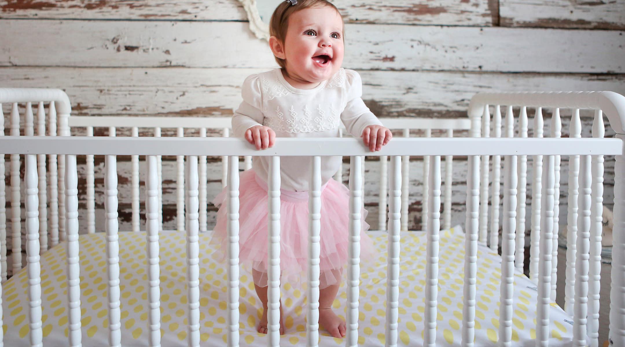 babyswing-crib-sleeping